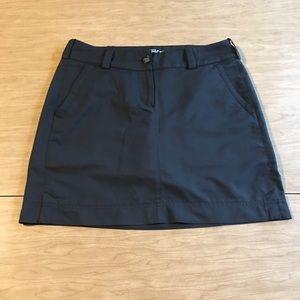 Nike Dri Fit Black Golf Skirt. Like new Size 6